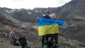 Slava Ukraini! I brought the Ukrainian flag on a hike of Mt. St. Helens.