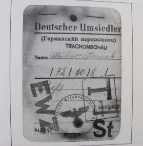 Identification card for those being resettled (Source: Hoffnungstal: Bilder einer deutschen Siedlung in Bessarabien)