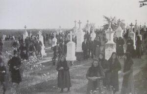 The farewell service in the Hoffnungstal cemetery (Source: Hoffnungstal: Bilder einer deutschen Siedlung in Bessarabien)